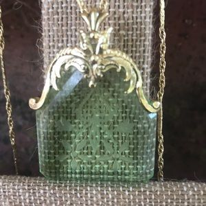 Vintage Whiting & Davis Intaglio Green Glass Neckl